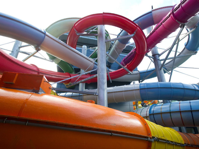 coral-reef-water-world-slides