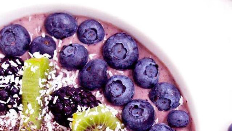 Kick start your day with this smoothie bowl recipe