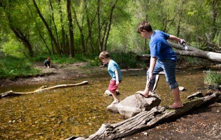 Family walks with kids near Marlow